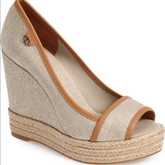 67b9a7177d351e New Tory Burch Majorca Canvas Wedge size 9   39